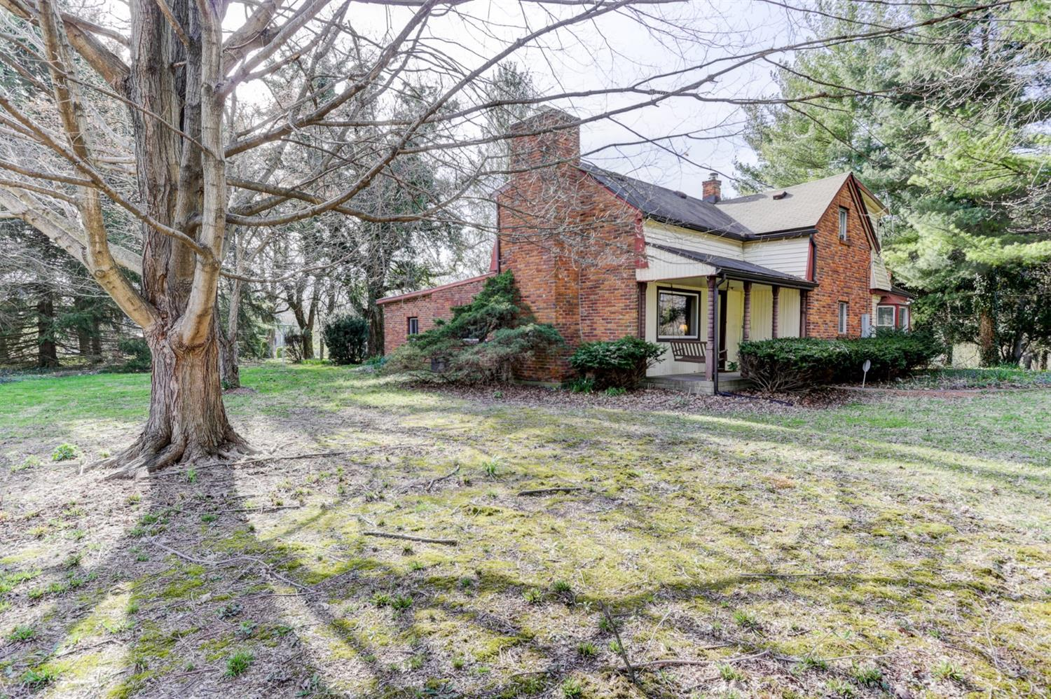 3057 Hale Rd Chester Twp, OH