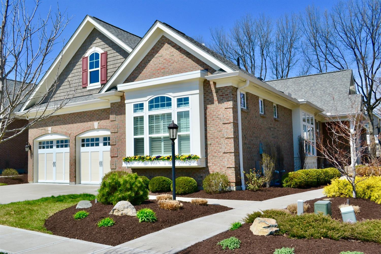 142 Village Gate Ln Montgomery, OH