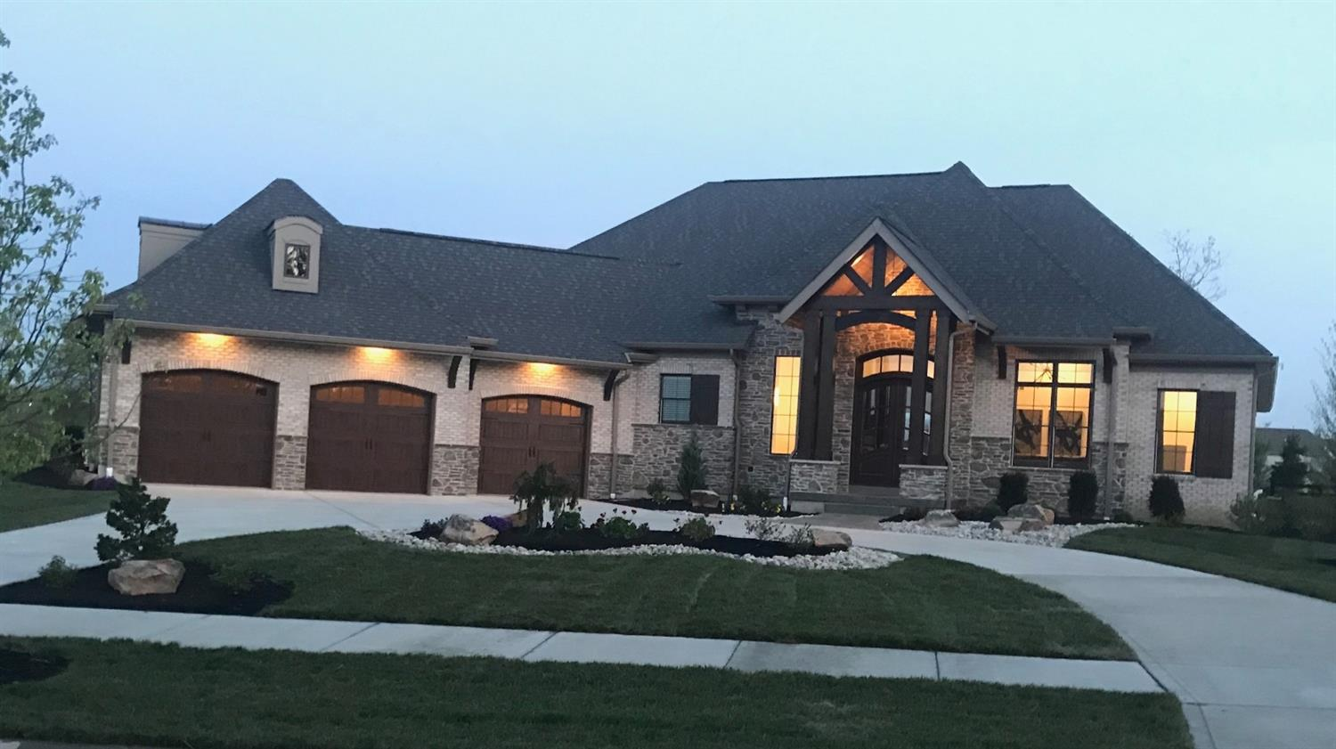 5293 Carriage House Blvd Liberty Twp., OH