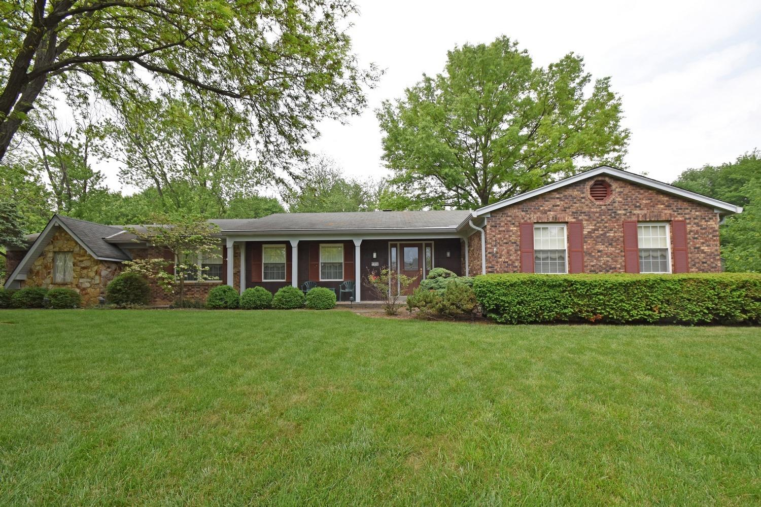 5896 Bomark Ct Blue Ash, OH