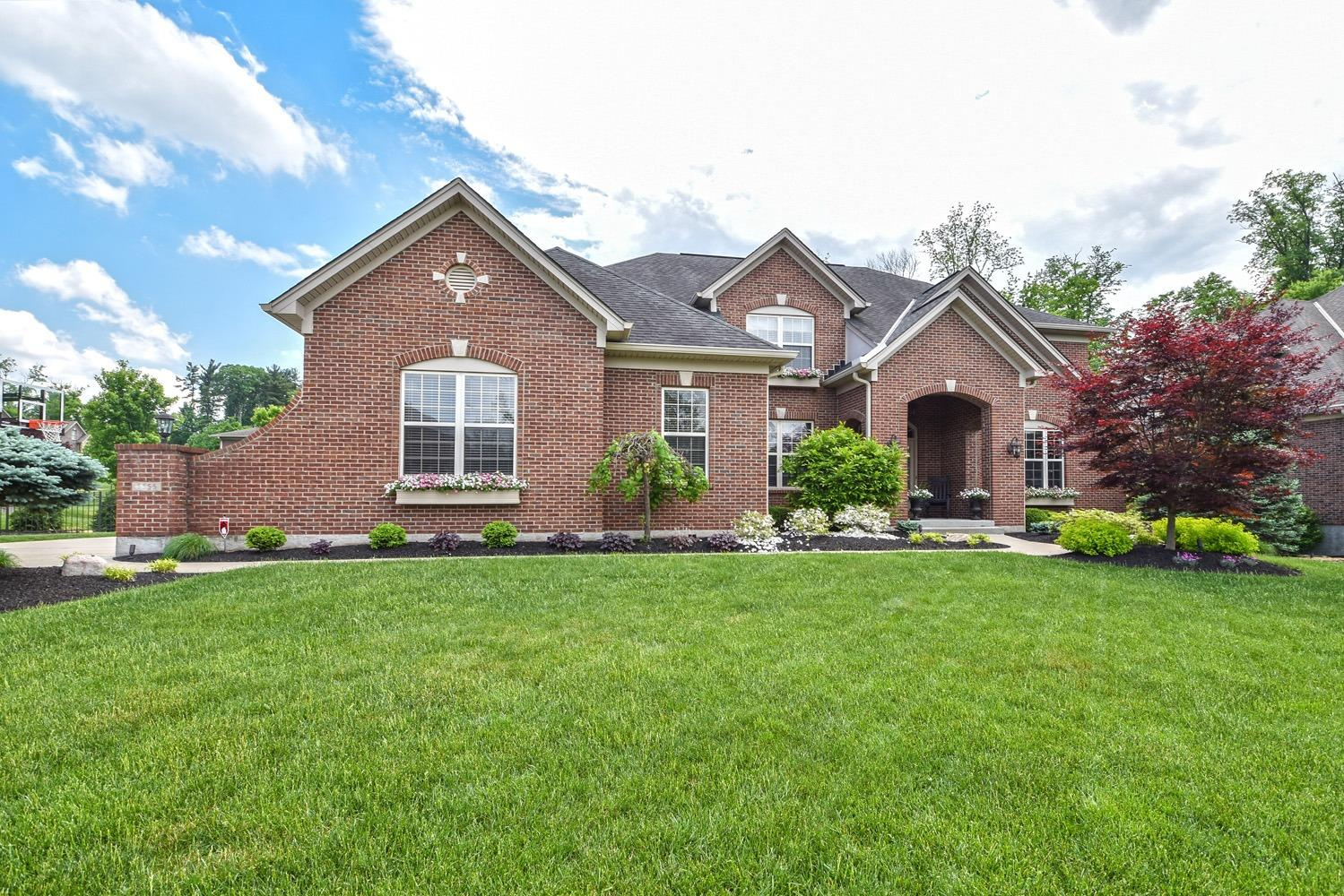 5555 Pine Brook Cir Monfort Hts., OH