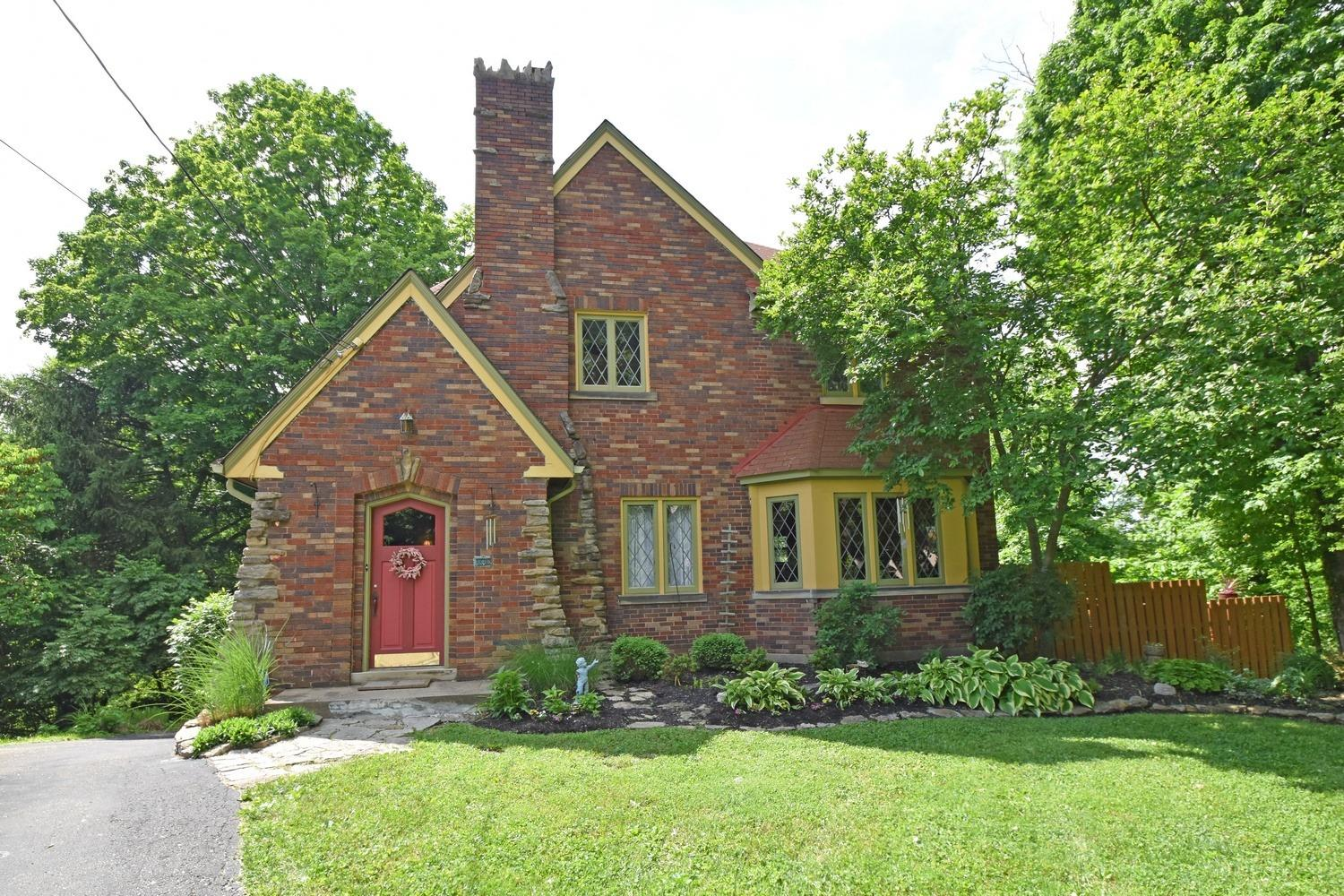 6698 Iris Ave Kennedy Hts., OH