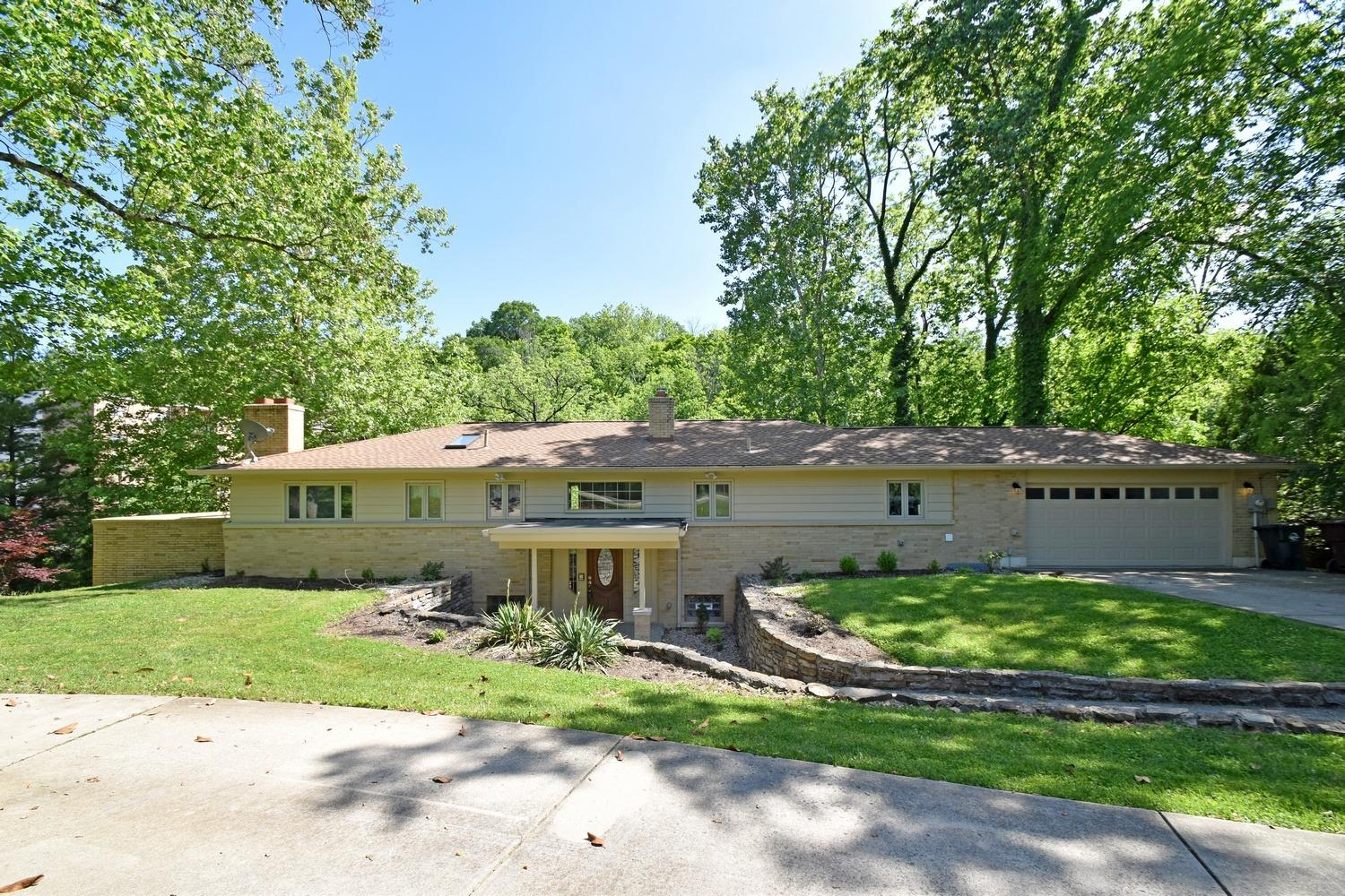 3469 Section Rd Amberley, OH