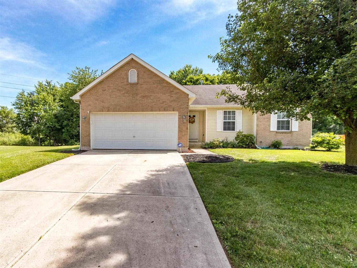411 Red Tail Pl Trenton, OH