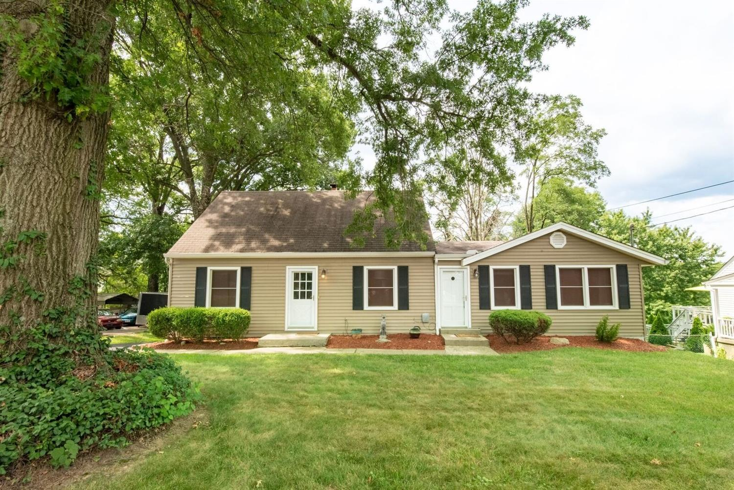 3677 Paramount Ridge Ln White Oak, OH