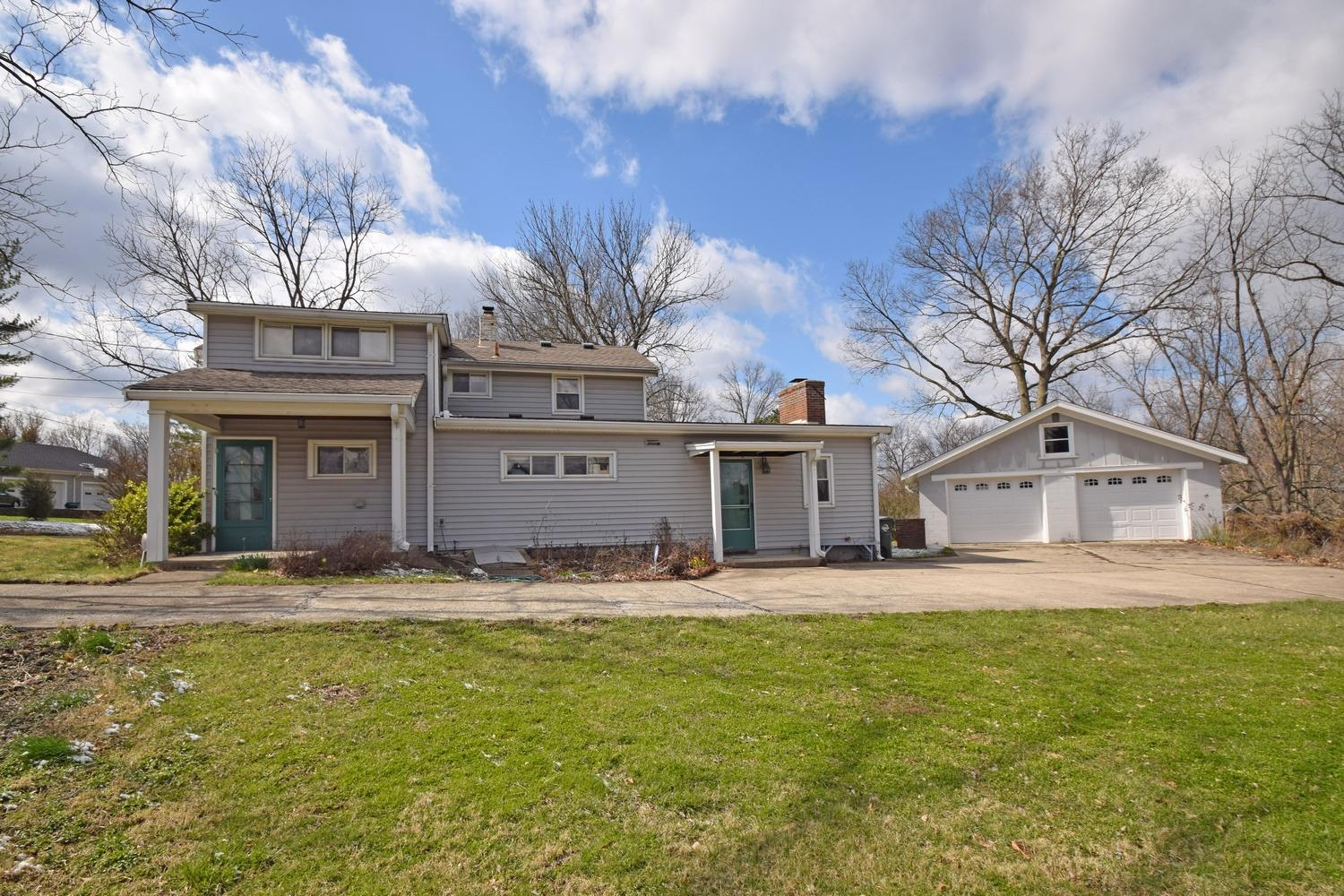 10855 Chester Rd Glendale, OH