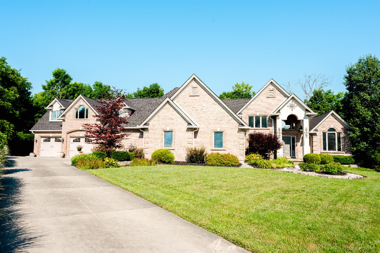1327 Roundhill Dr Hanover Twp., OH