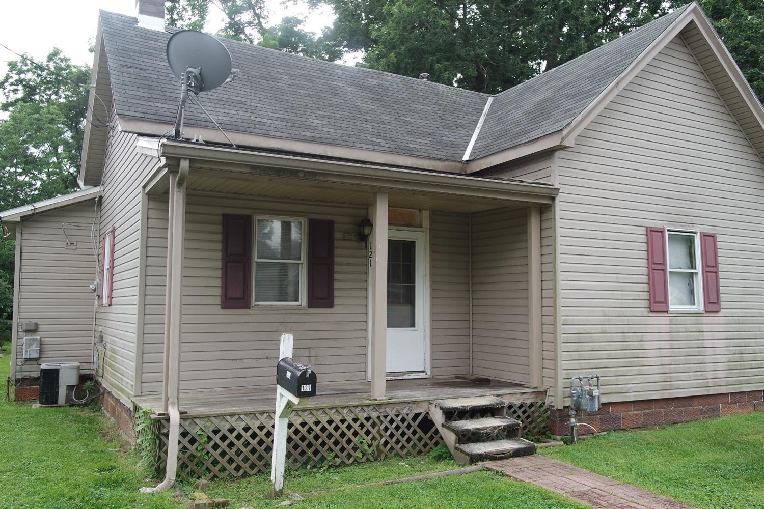 121 Central Ave Blanchester, OH