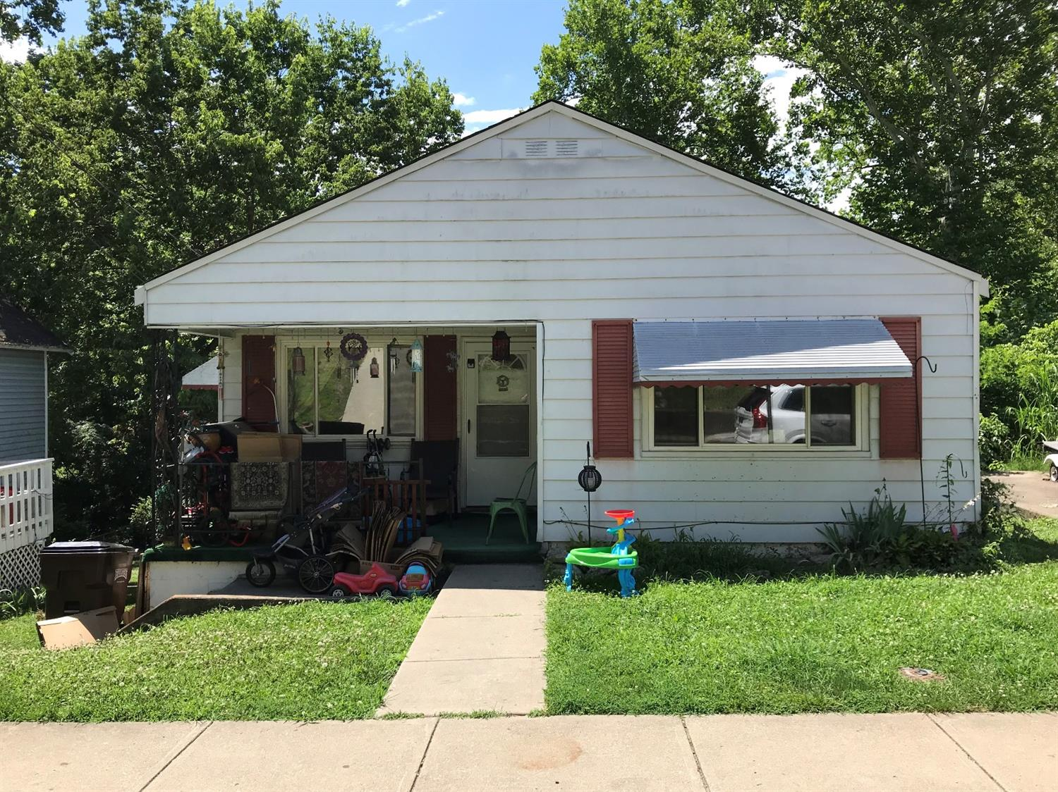 137 First St Addyston, OH