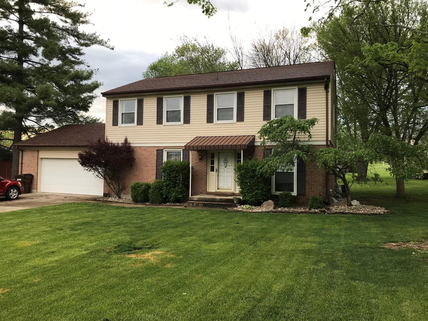 2422 Queen Mary Ln Hanover Twp., OH