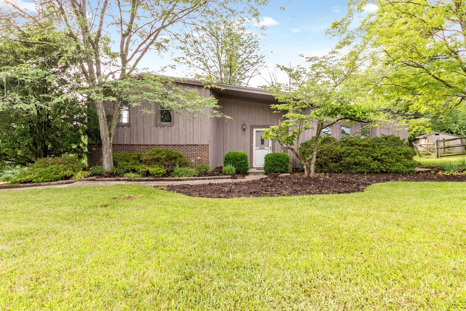 2500 W Columbus Dr Hanover Twp., OH