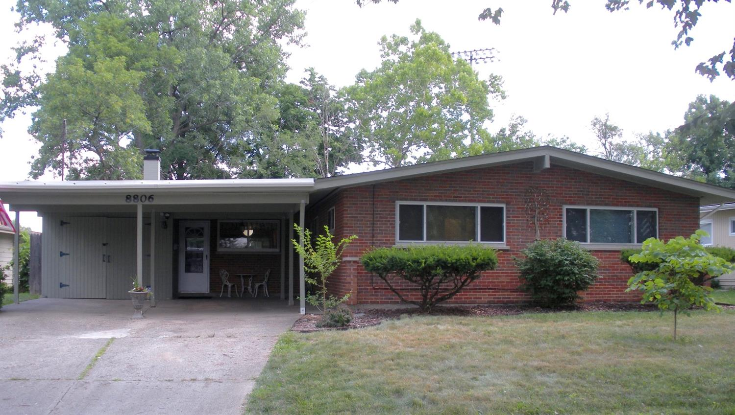 8806 Fontainebleau Ter Finneytown, OH