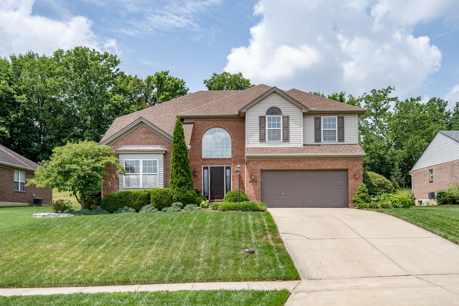 4589 Hampton Pointe Dr Bridgetown, OH