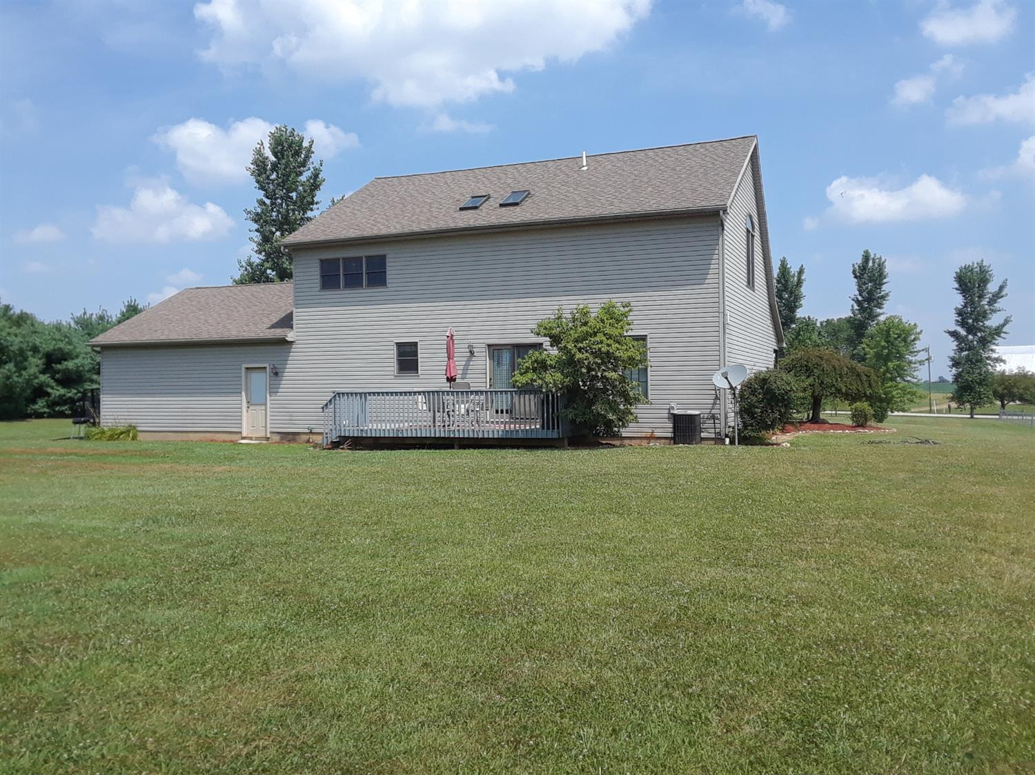 Photo 2 for 423 Greenfield Sabina Rd Fayette County , OH 43160