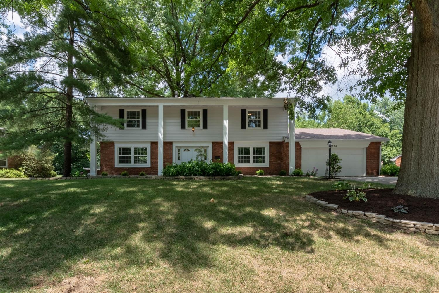 654 Flagstaff Dr Wyoming, OH