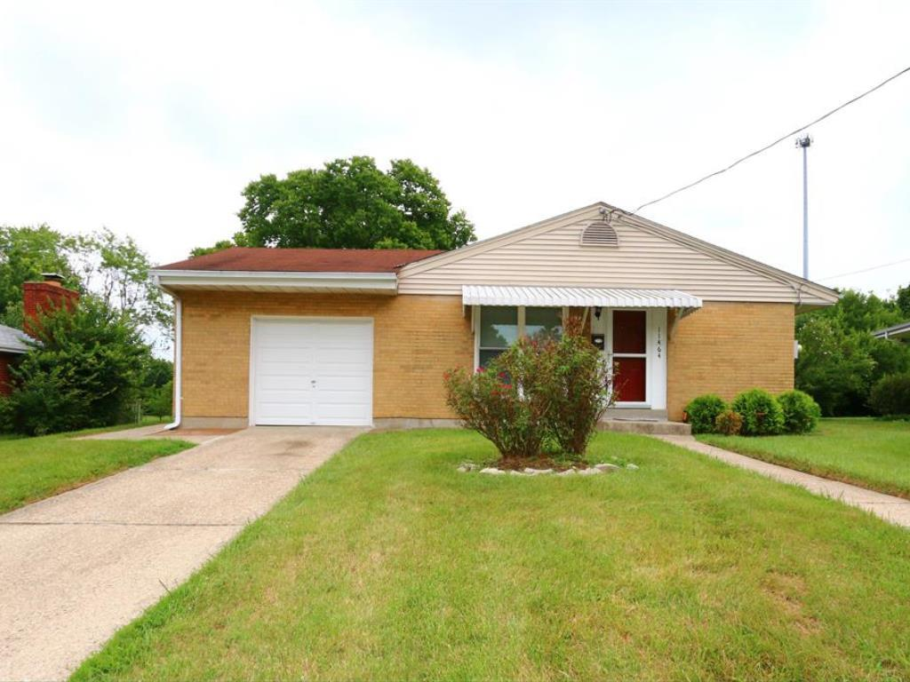 11464 Rose Ln Forest Park, OH