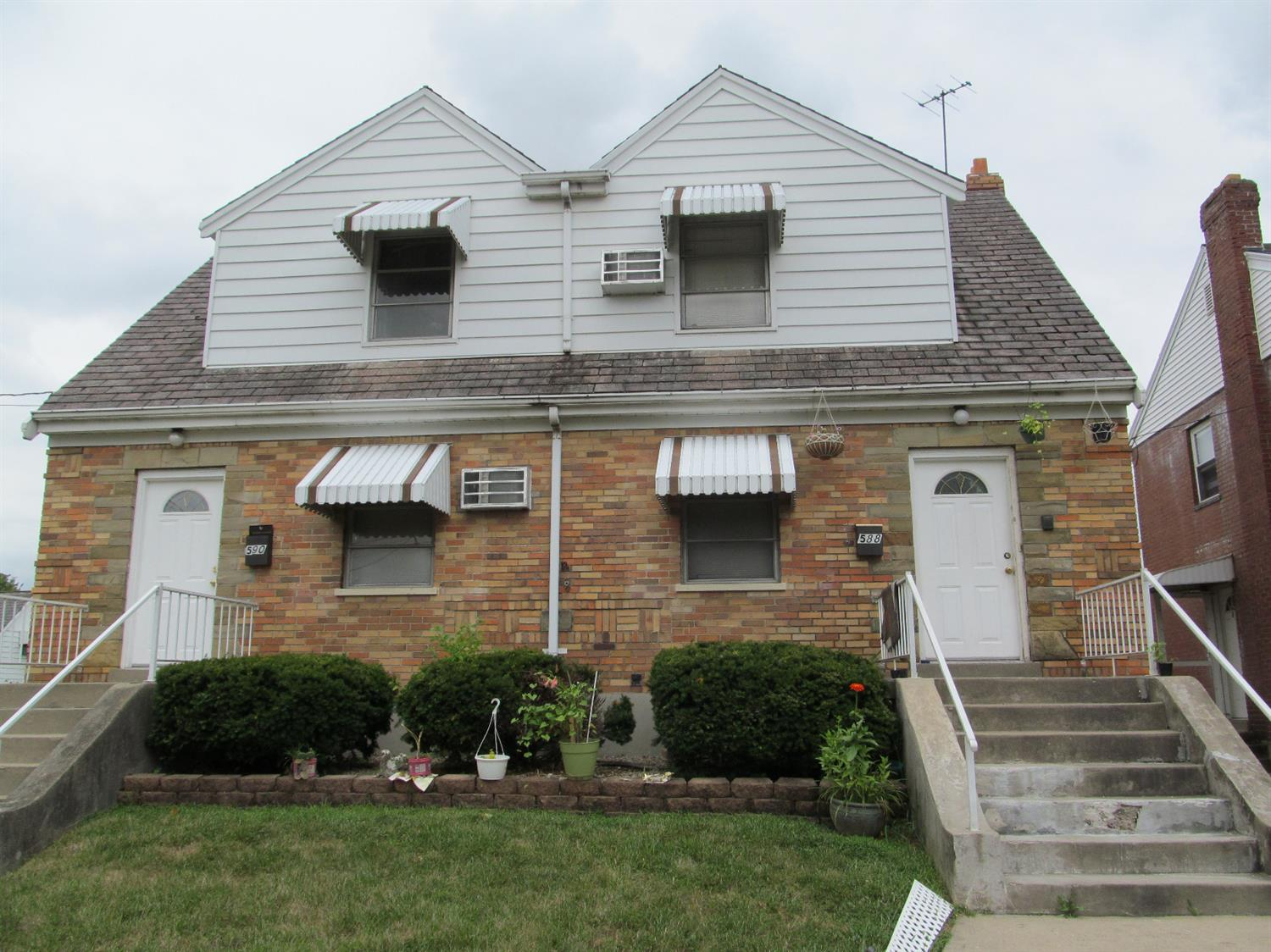 588 590 Rosemont Ave Price Hill, OH