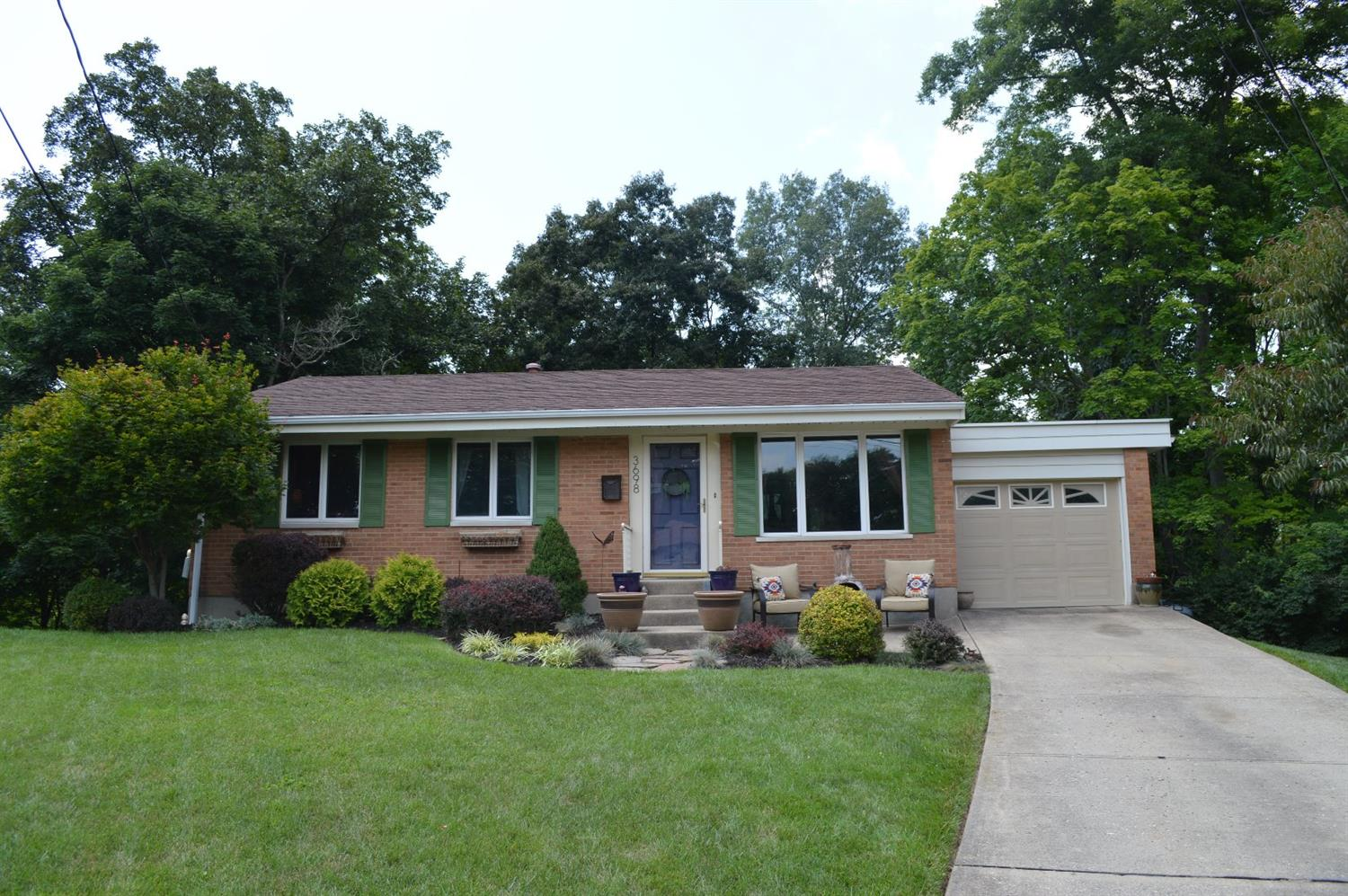 3698 Sandralin Dr White Oak, OH