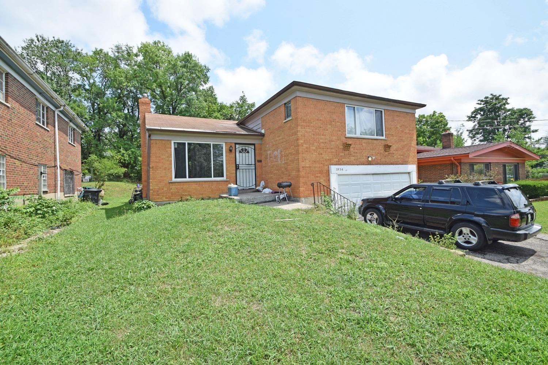 7956 Stillwell Rd Roselawn, OH