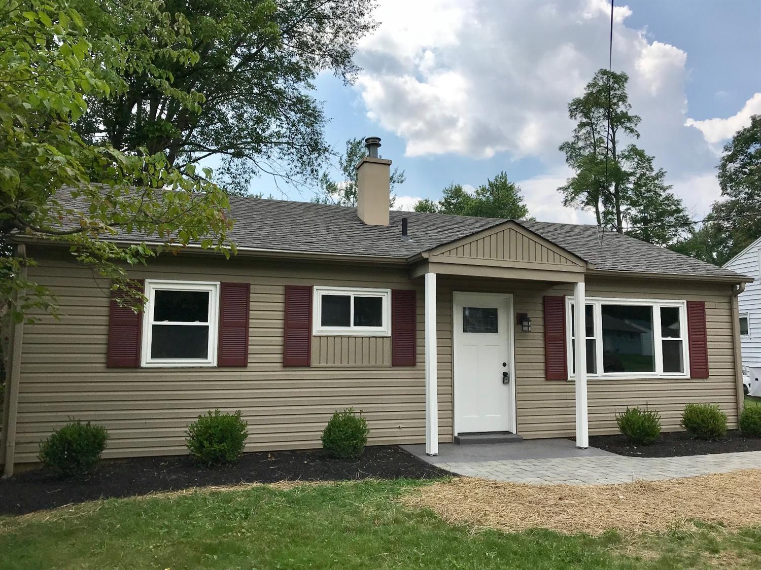 3972 Mantell Dr Dillonvale, OH