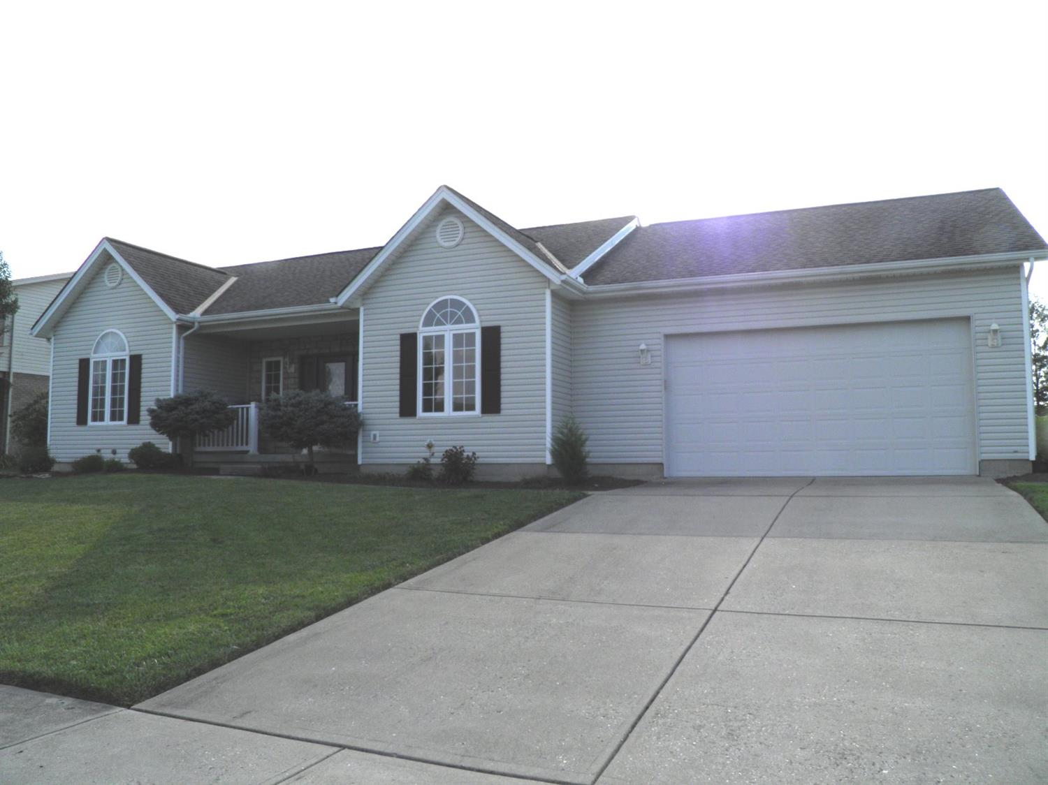 555 Eagles View Dr Hamilton West, OH