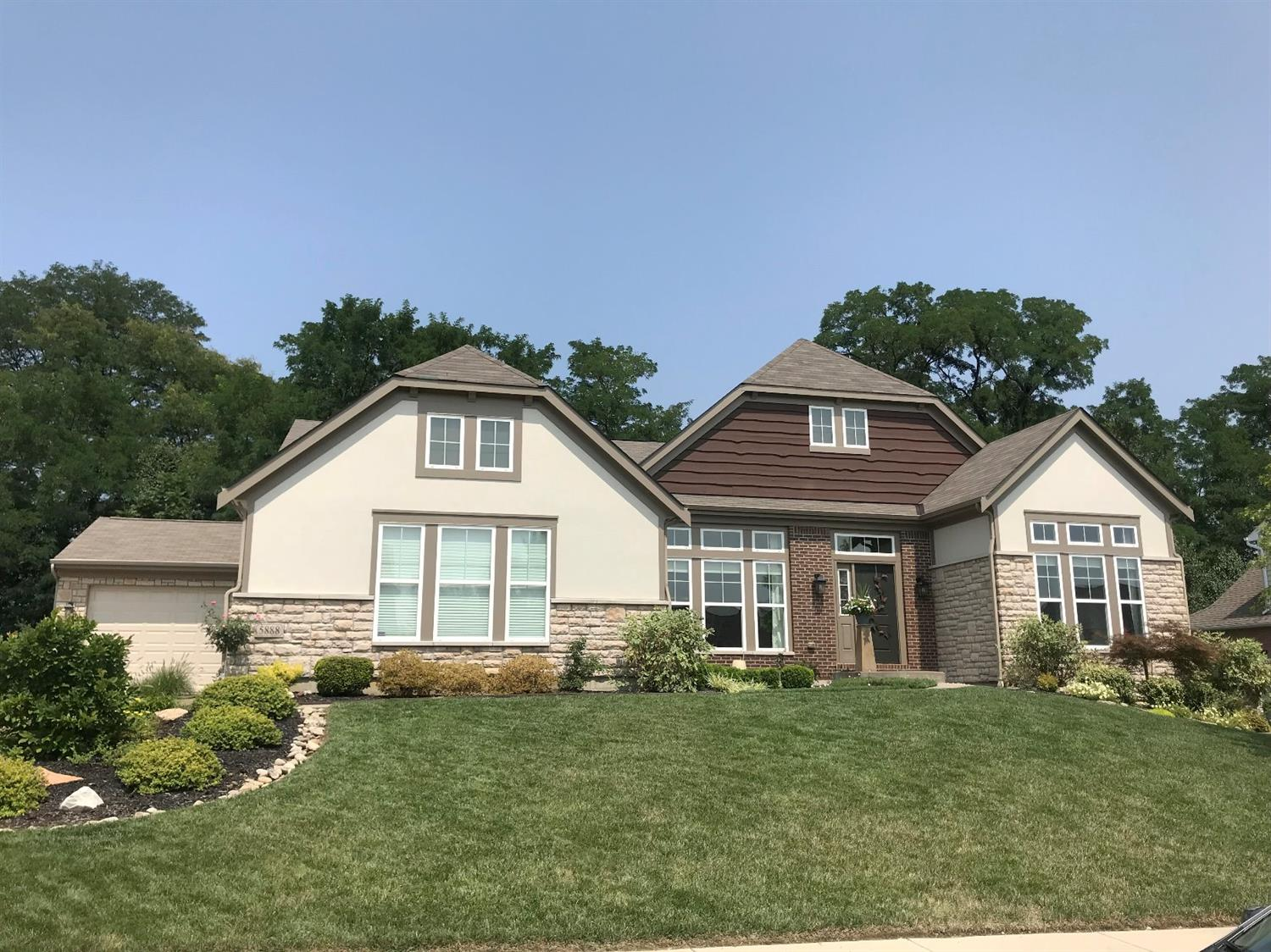 5888 Emerald Lake Dr Fairfield, OH
