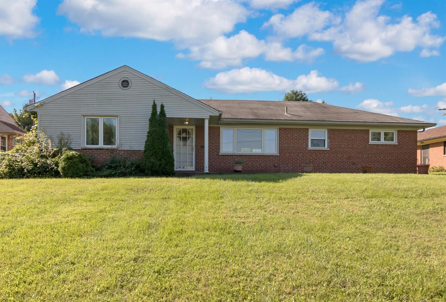 2323 Section Rd Amberley, OH
