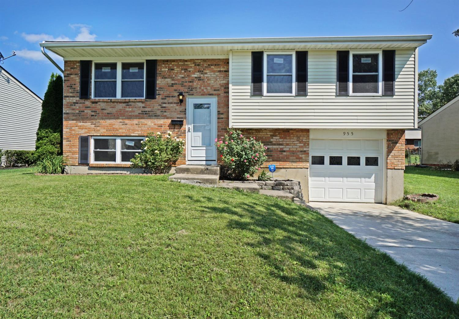 955 Harrogate Ct Forest Park, OH