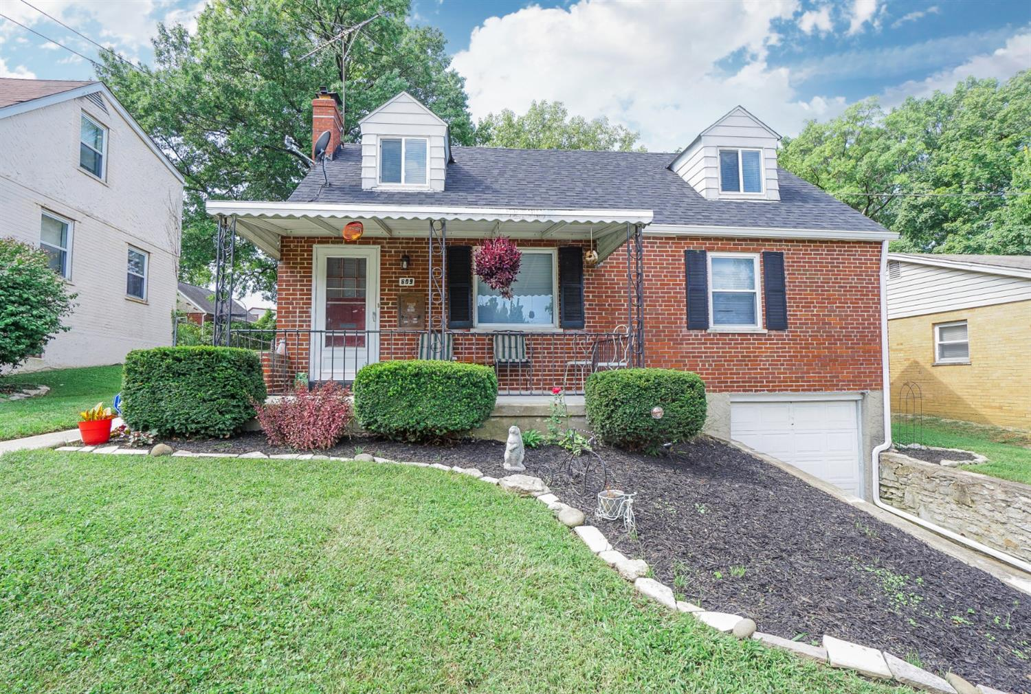809 Lory Ln Reading, OH