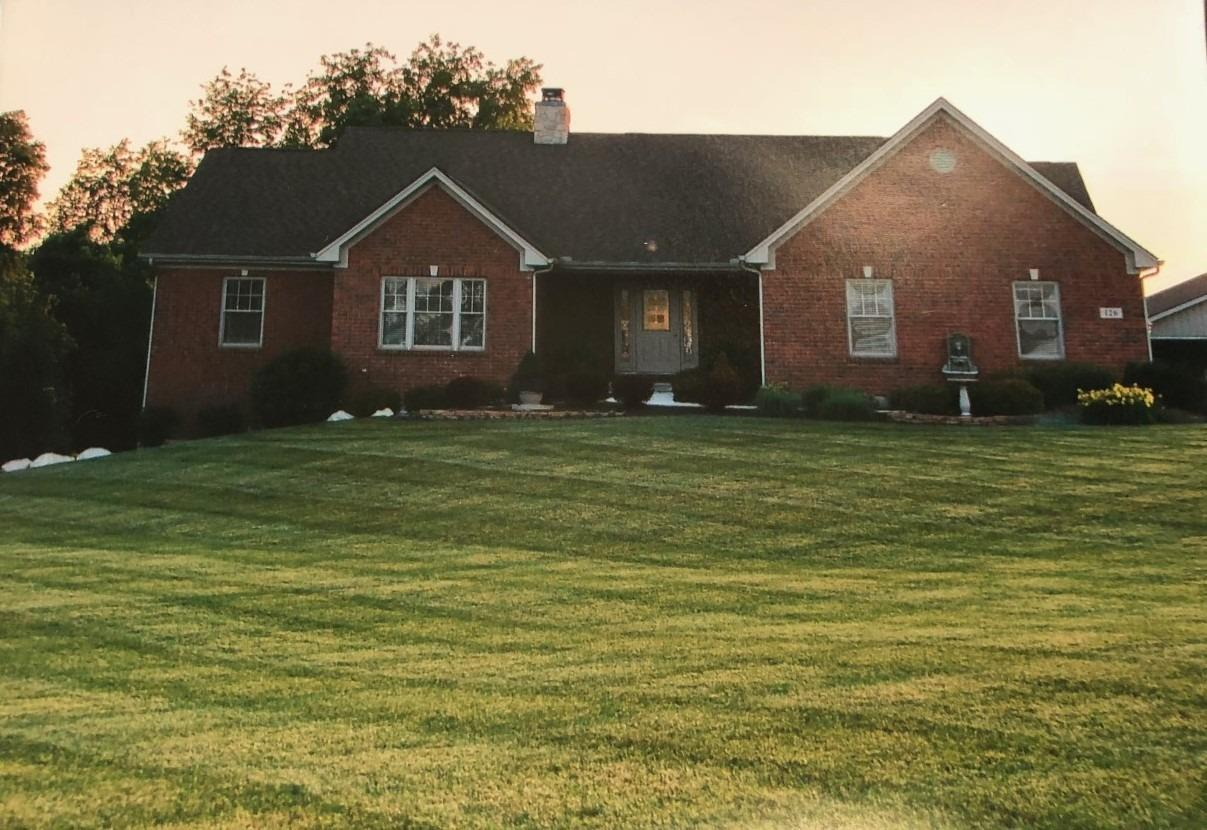 126 Hormell Rd Chester Twp, OH