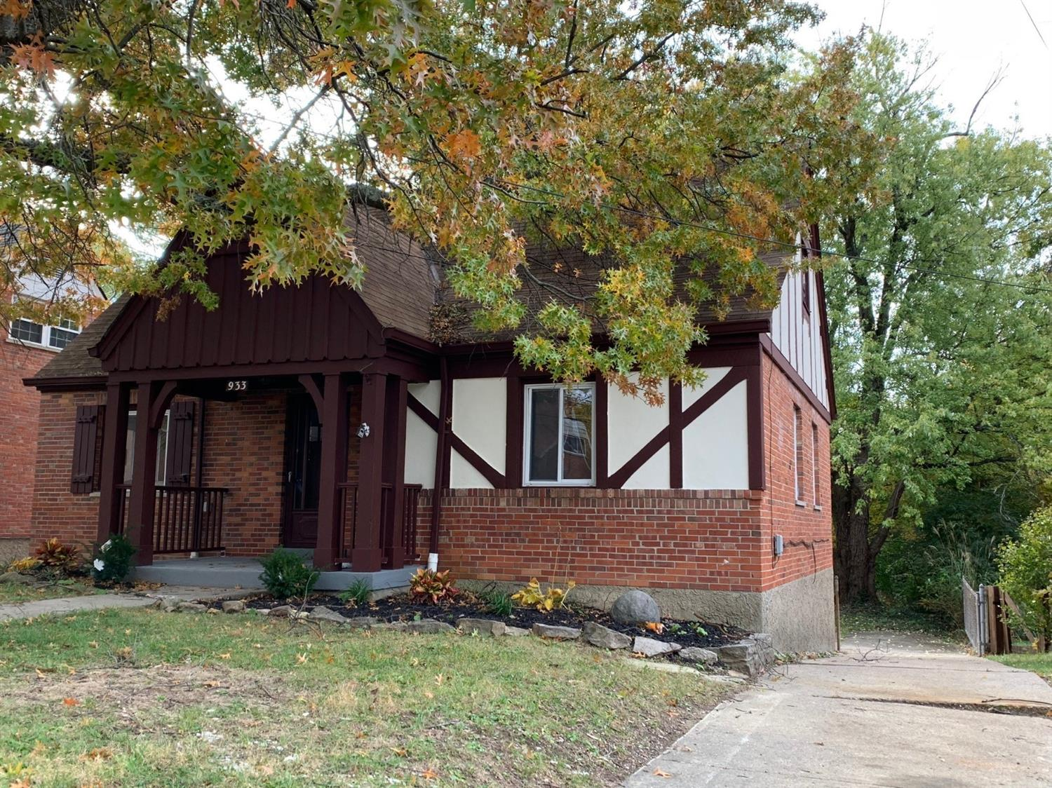 933 Winsray Ct Finneytown, OH