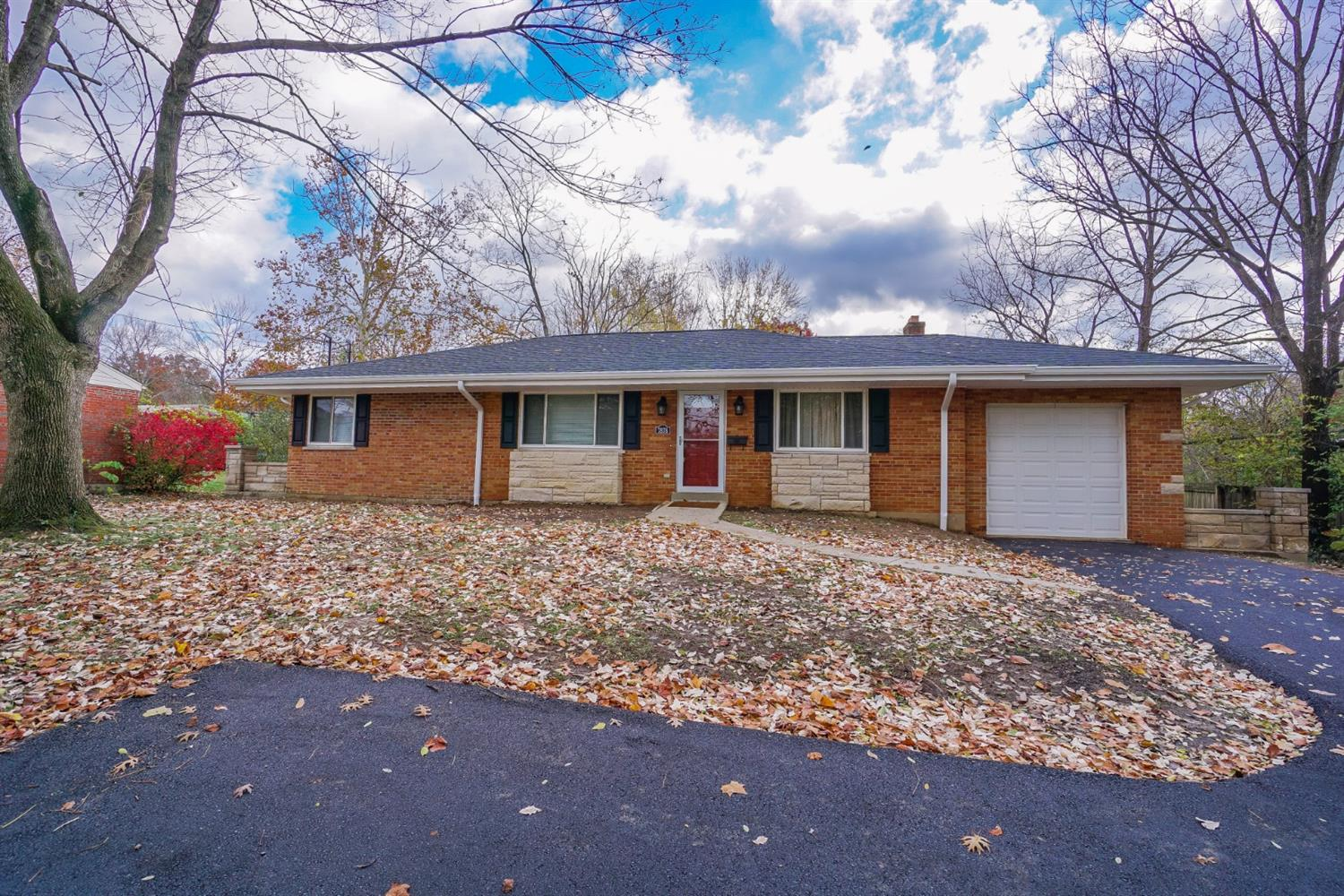 7878 Pippin Rd Groesbeck, OH