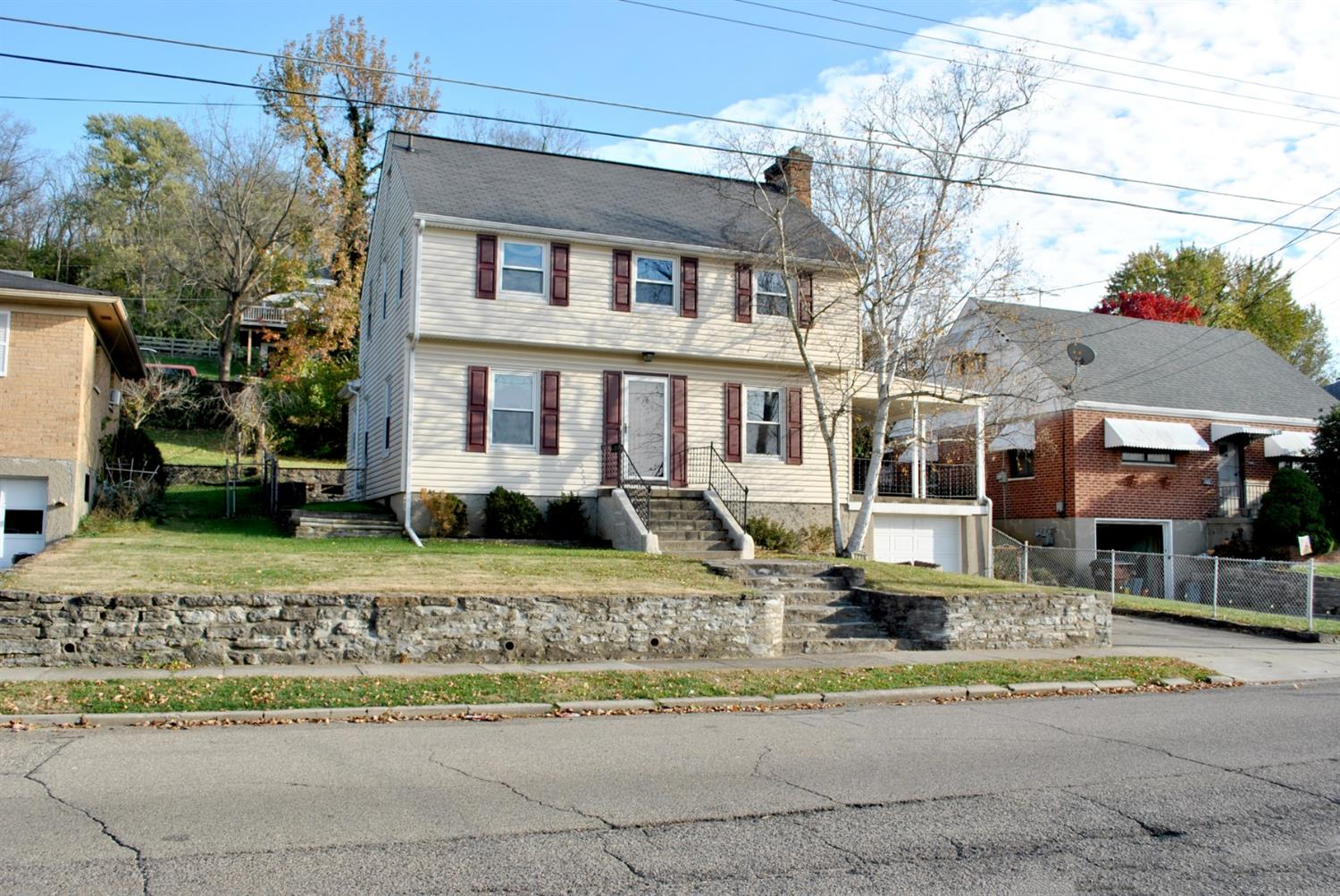 1228 Third St Reading, OH