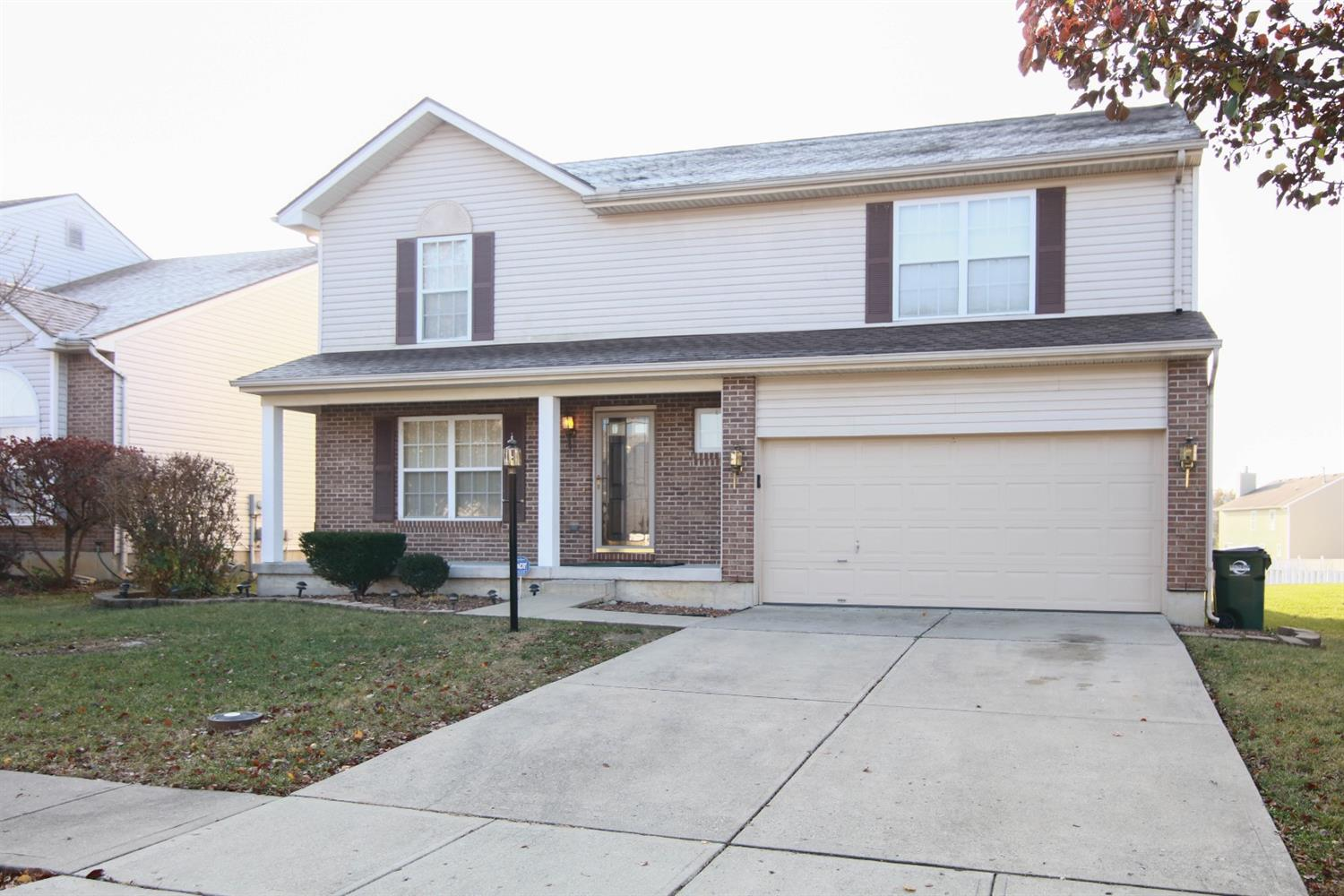 991 Holderness Ln Forest Park, OH