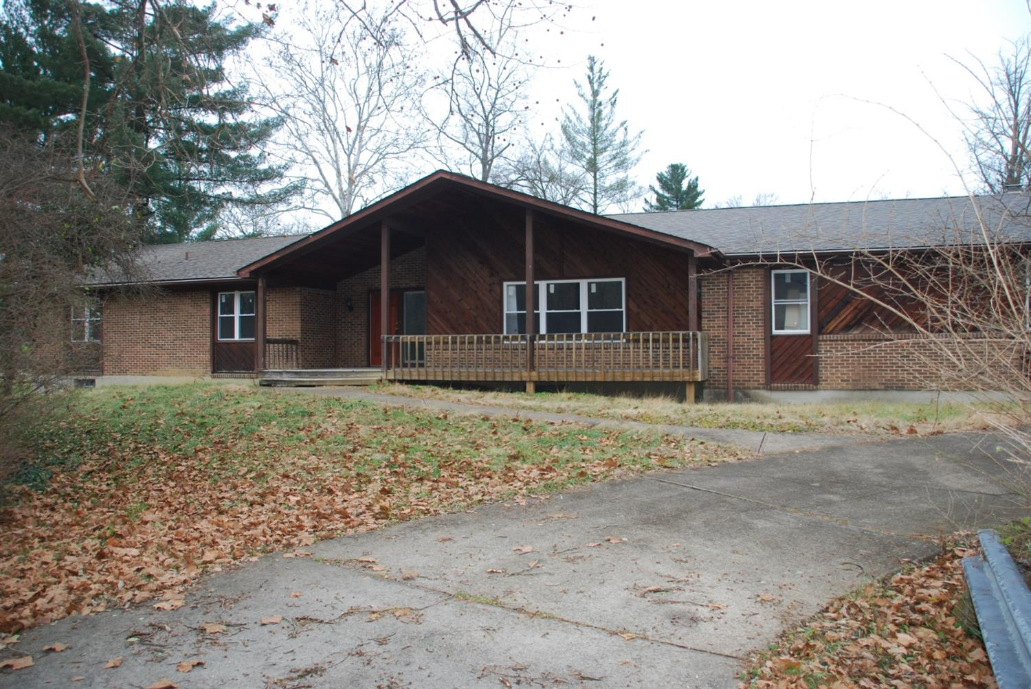 2430 Section Rd Amberley, OH