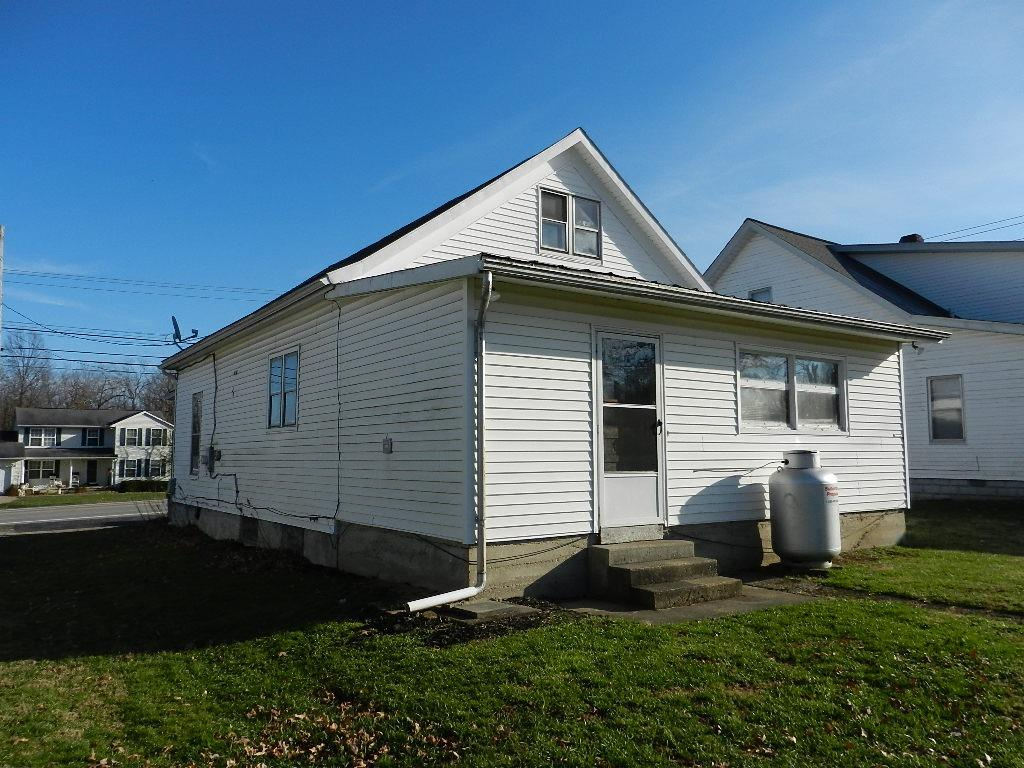 Photo 2 for 405 Columbus St Jefferson Twp, OH 45168