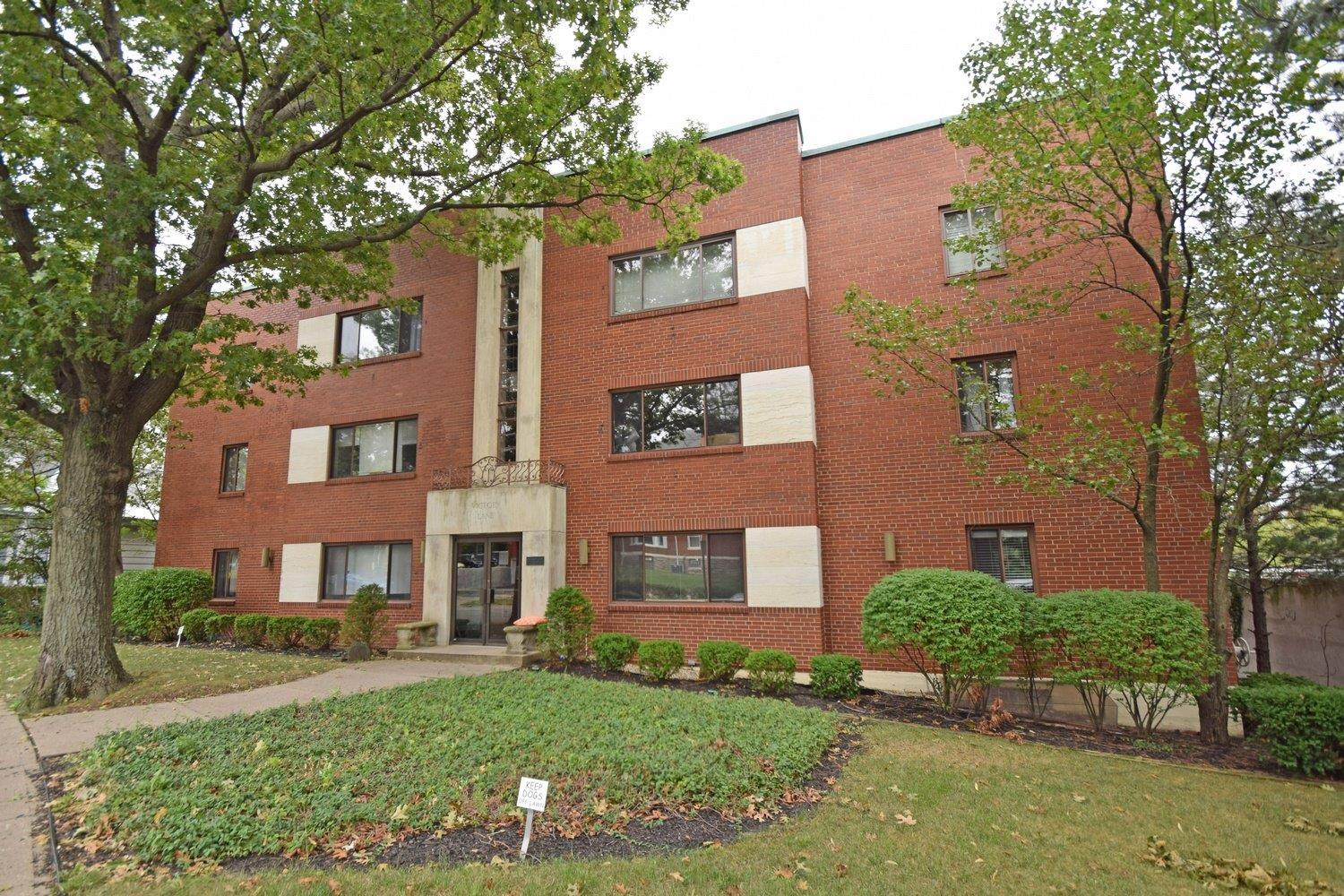 Photo 1 for 2210 Victory Pkwy #5 Walnut Hills, OH 45206