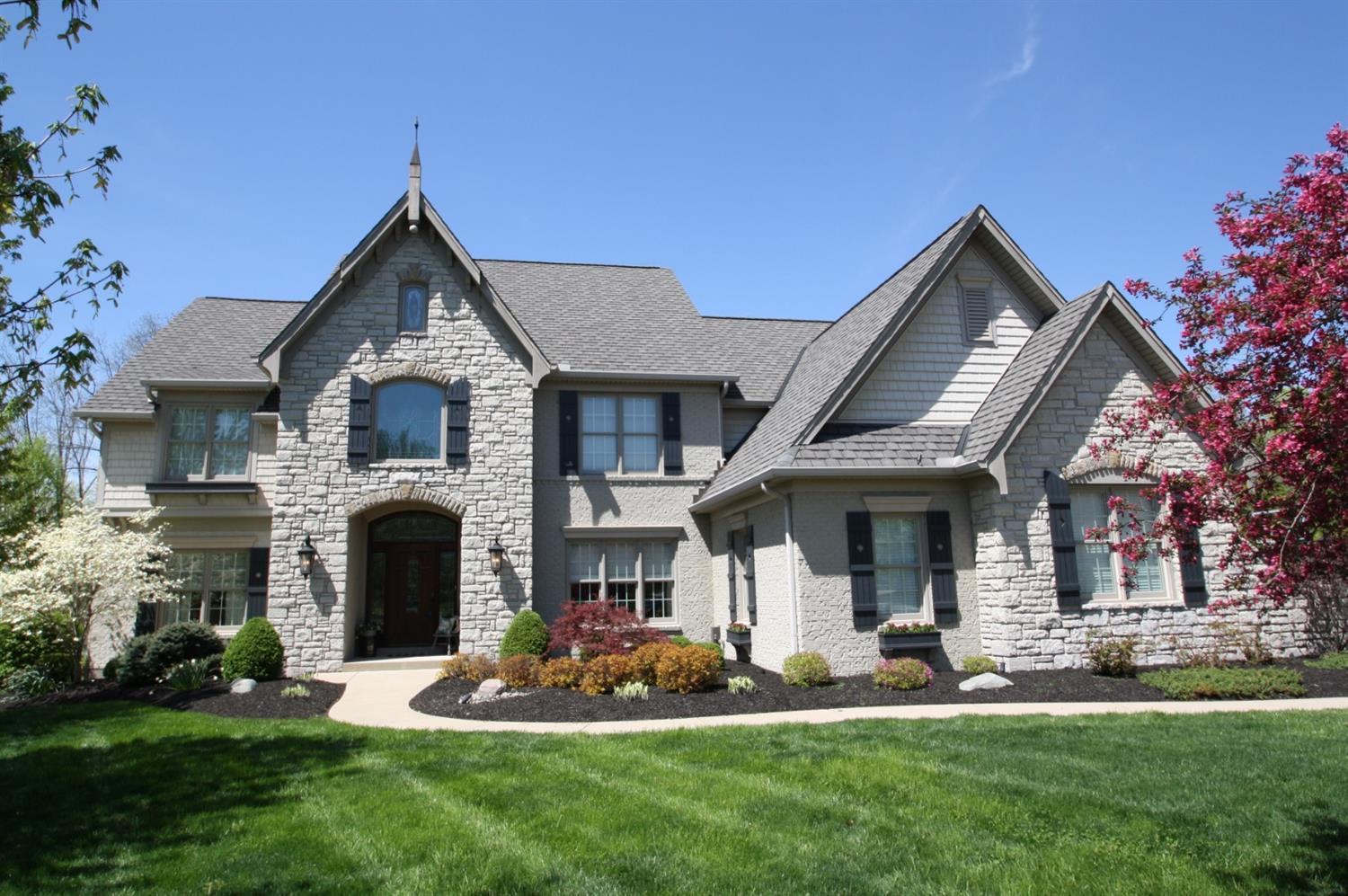 5617 Fox Ridge Ct Monfort Hts., OH