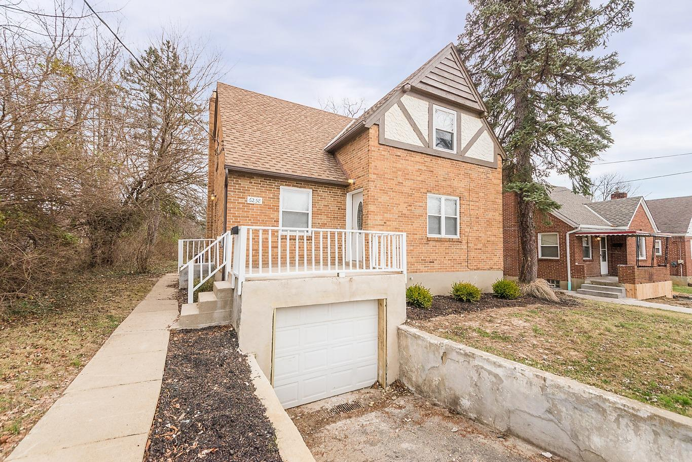 6258 Elbrook Ave Golf Manor, OH