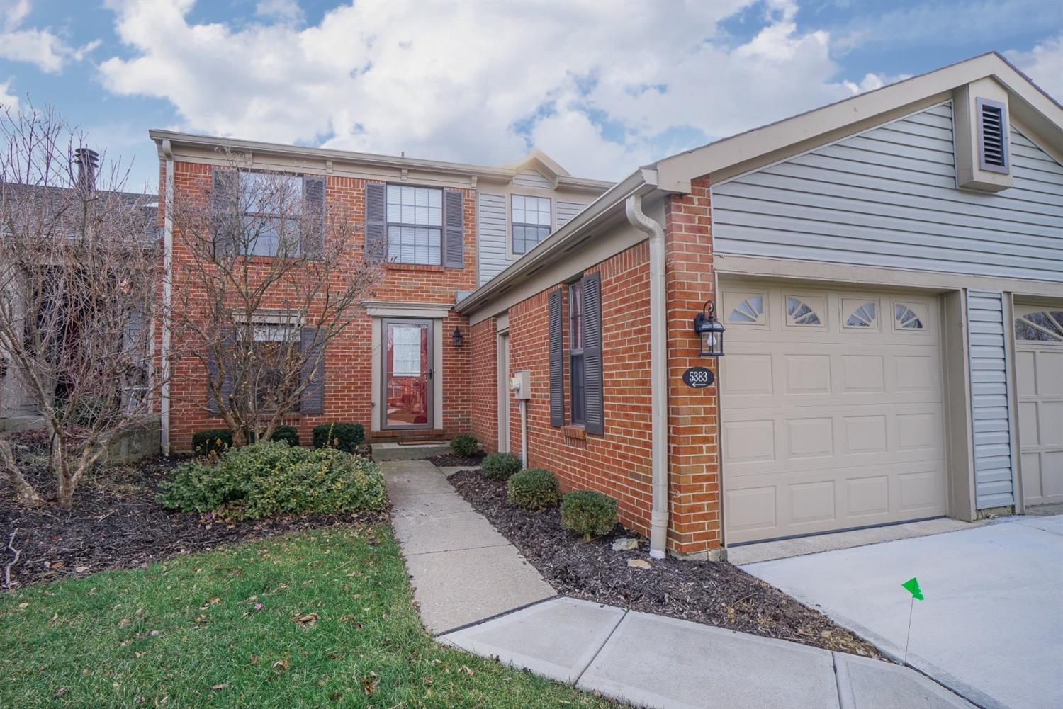 5383 Dickens Dr Sharonville, OH