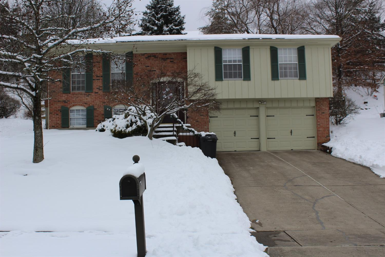 82 Orchard Knoll Dr Reading, OH
