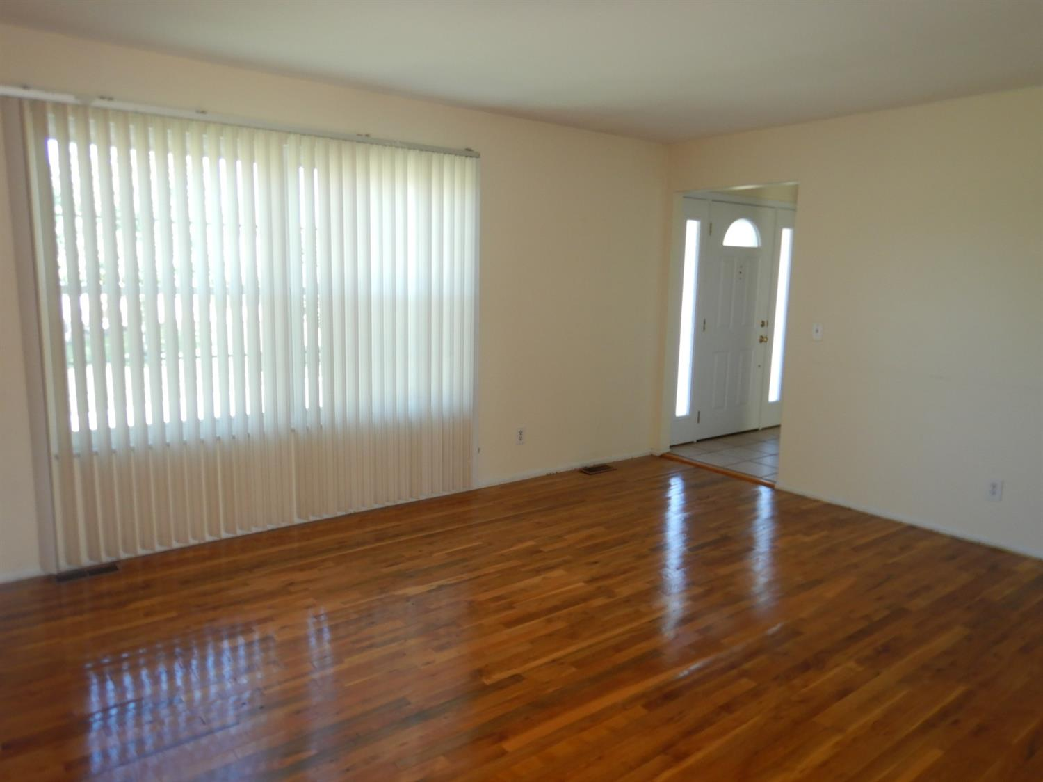 Photo 3 for 12066 Cantrell Dr Springdale, OH 45246