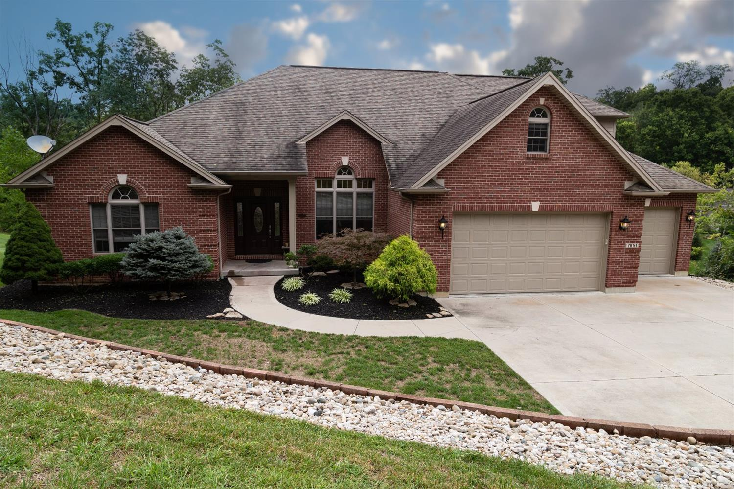 7851 Sheed Rd Colerain Twp.West, OH
