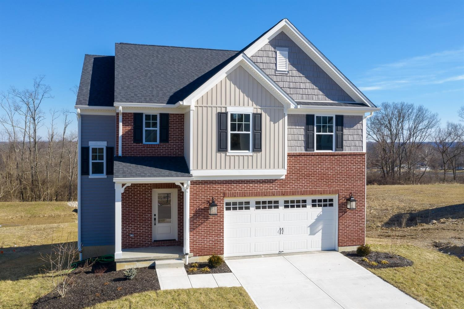 10092 Arnold Dr Woodlawn, OH