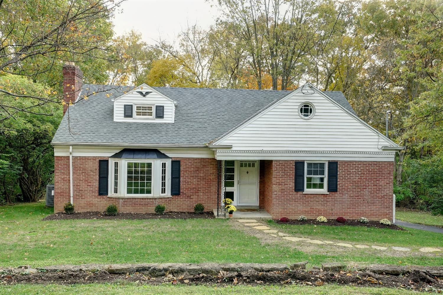 4892 Marieview Ct Kenwood, OH