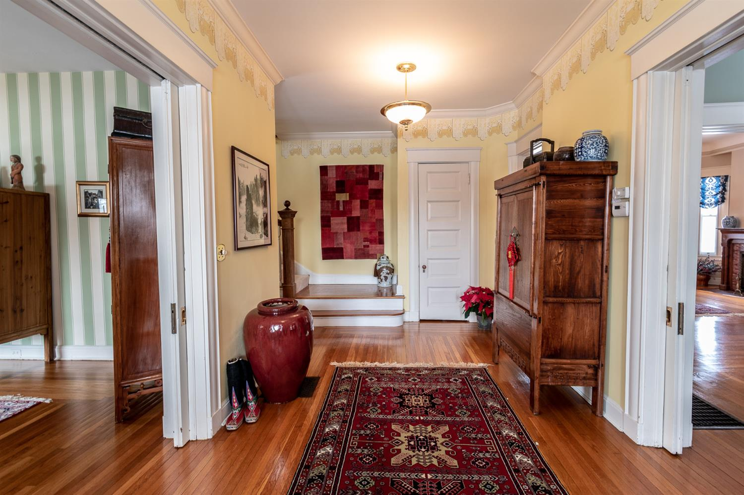 Photo 2 for 30 W Fountain Ave Glendale, OH 45246