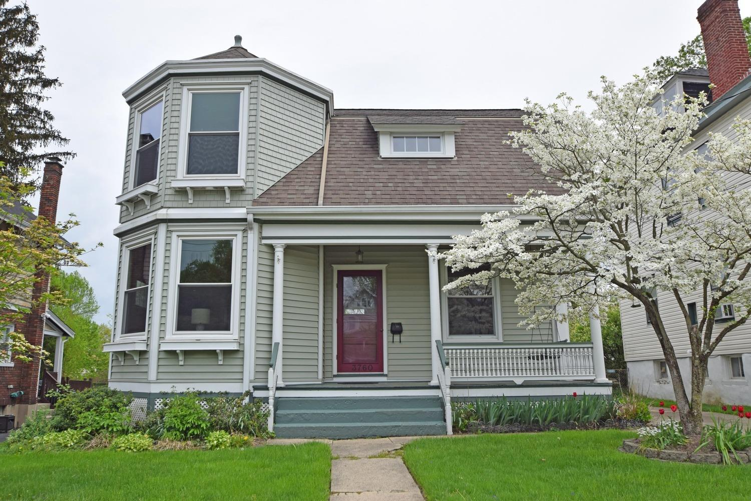 3760 Hyde Park Ave Oakley, OH