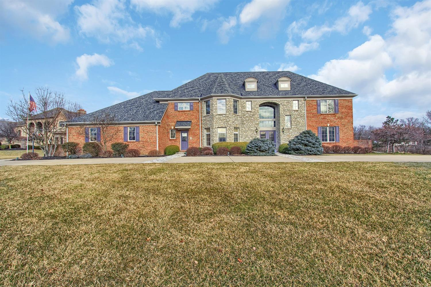5110 Rollman Estates Dr Amberley, OH