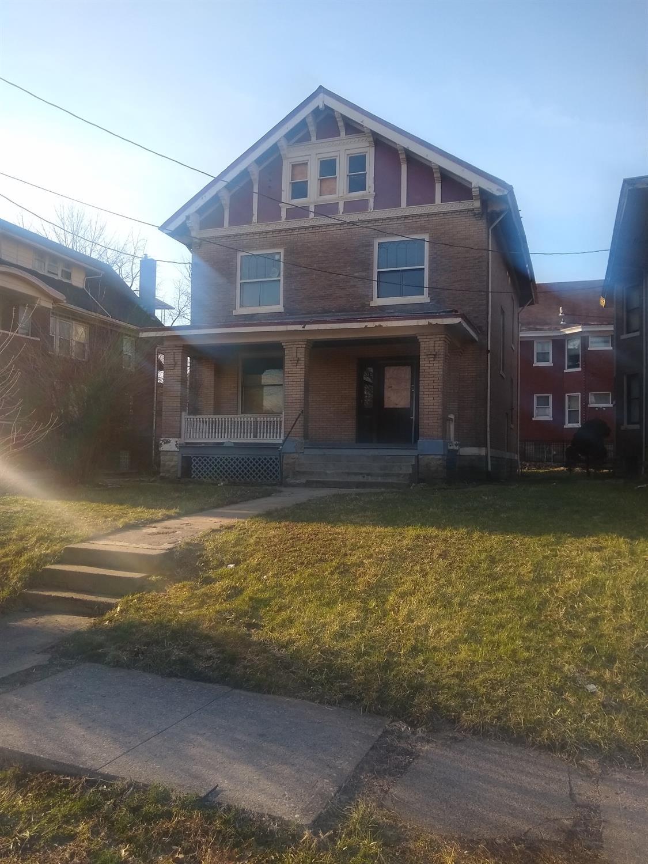 735 Oak St Walnut Hills, OH
