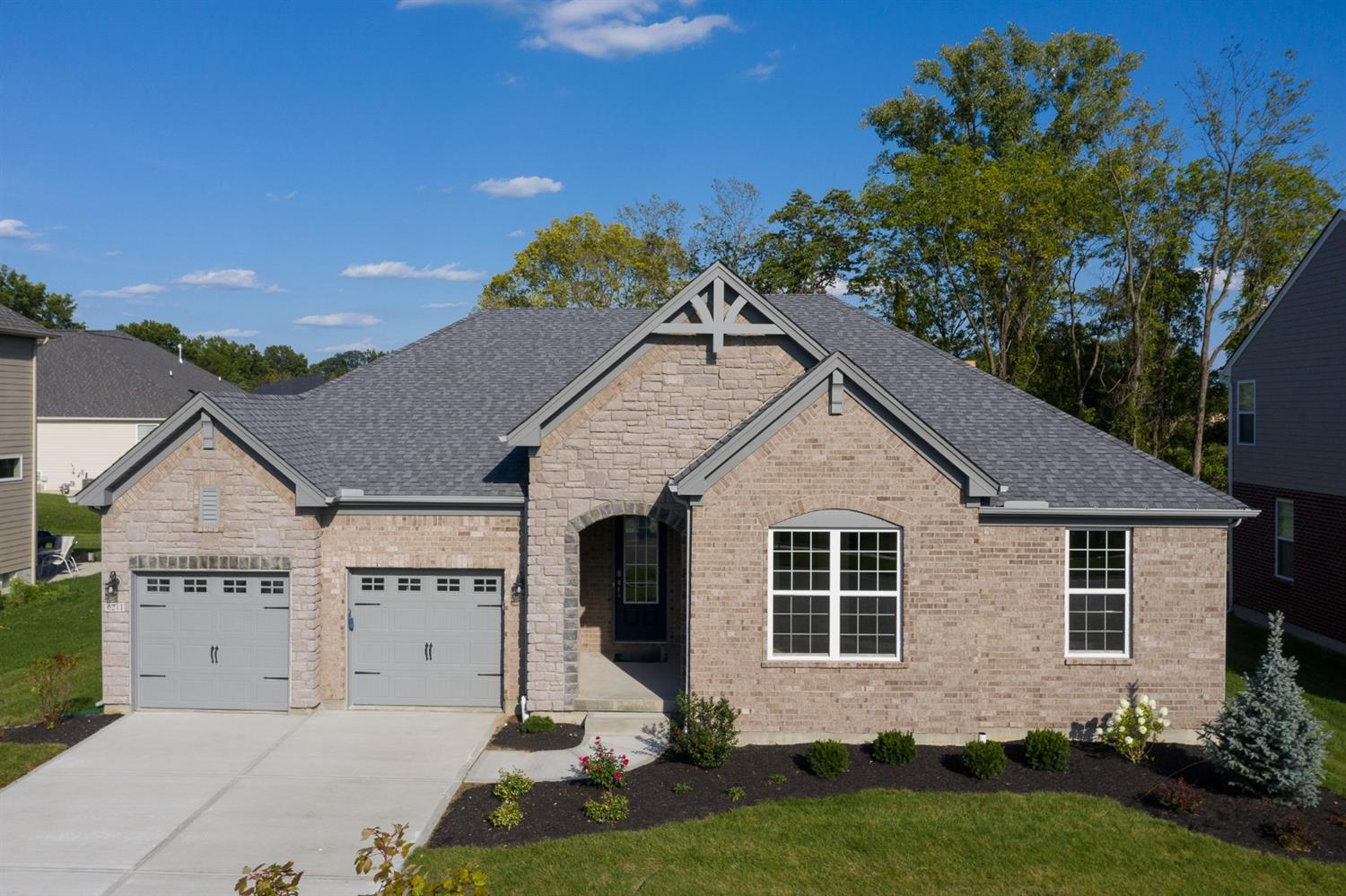 6211 Orchard Crossing